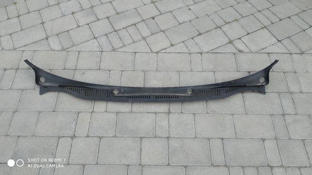 Пластик под лобове скло (Жабо) VW Caddy 2004-2015р.