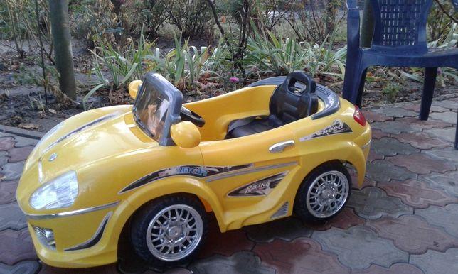 Дитяче авто