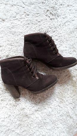 Buty wysokie, na słupku, brązowy, jesień, zima, wiosna