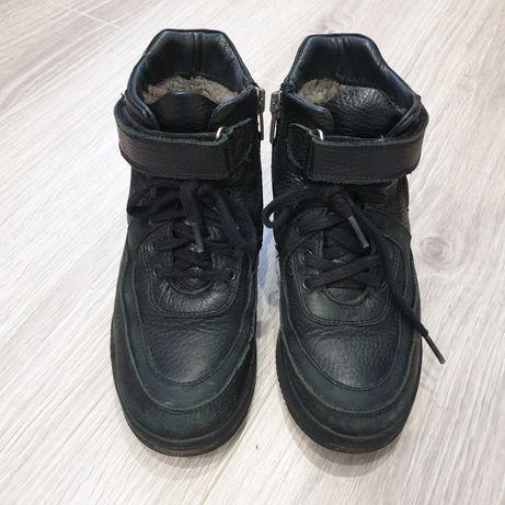 Ботинки зимние размер 32