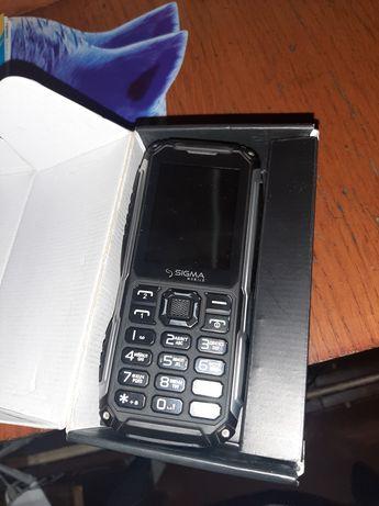 Продам телефон противоударний