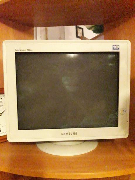 Монітор Samsung SyngMaster 795MB