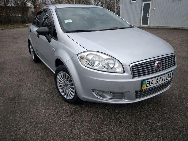 Продажа автомобиля Fiat Linea 2012 г.