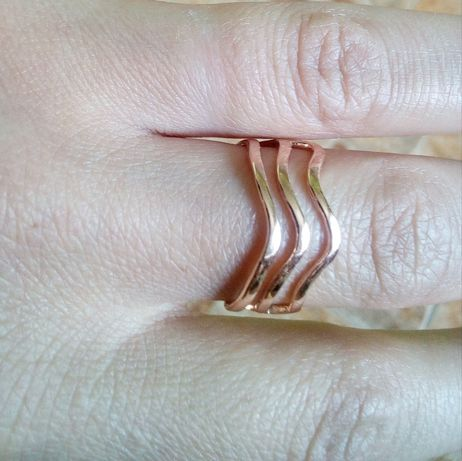 Оригинальное золотое кольцо проба 585