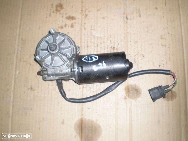 Motor limpa vidros frente BMW BMW E34 0390241413 1384758 BMW / E34 / 1997 / BOSCH /