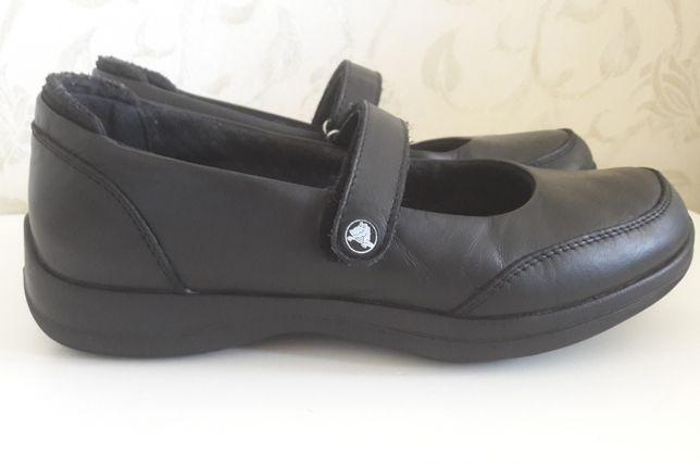 Туфли балетки Crocs Крокс размер W 7 стелька 23,5см кожа.