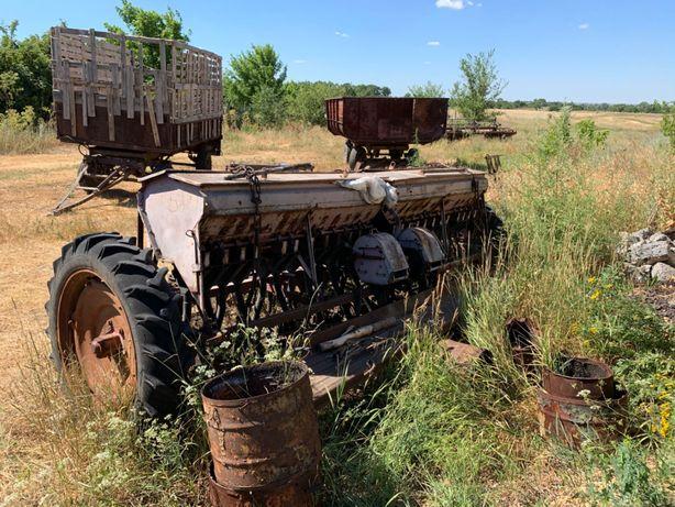 Продам трактор экскаватор сеялку
