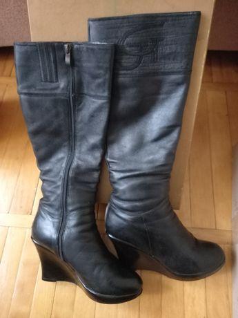 Продам женские сапоги б/у