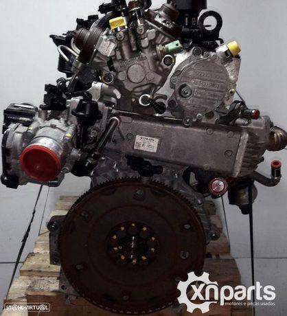 Motor VOLVO V70 III (135) D3 / D4 | 03.10 - 12.15 Usado REF. D5204T2