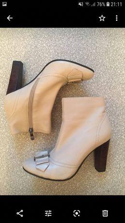Ботинки 36 размер кожа в состоянии новых