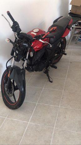 Yamaha ys 125cc acindentada
