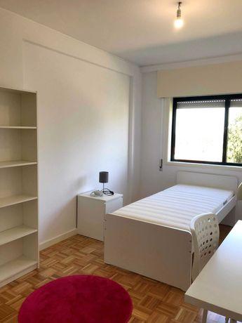 Aluga-se quarto perto Hospital São João
