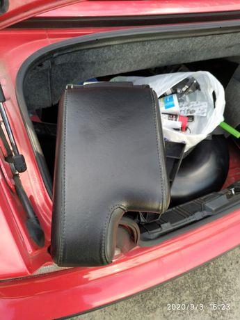 Podłokietnik BMW E36 stan bardzo dobry