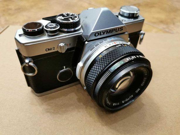 Фотоапарат Olympus OM-2 з об'єктивом Olympus Zuiko Auto-S 50mm f/ 1.8