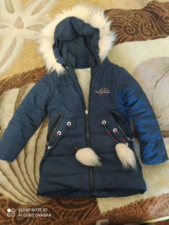 Продам зимову куртку на дівчинку