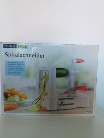 Maszynka do wyrobu makaronu z warzyw