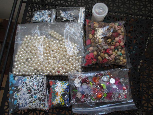 Dezenas de missangas para criar o que lhe apetecer