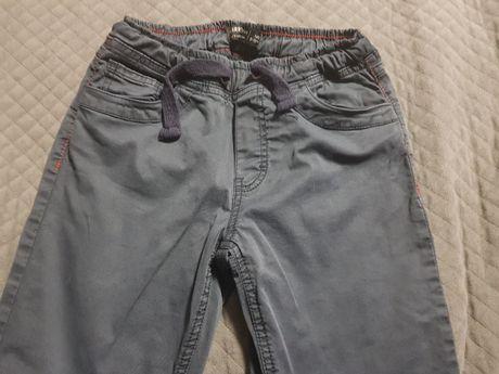 Spodnie rozm.140