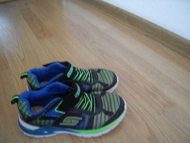 Кроссовки мигающие Skechers разм 31,стелька 19,5