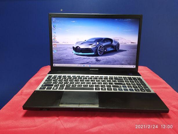Современный Samsung Core i3 GT 520MX Цена 16500 р