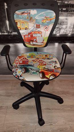 Krzesło obrotowe dla dziecka auta