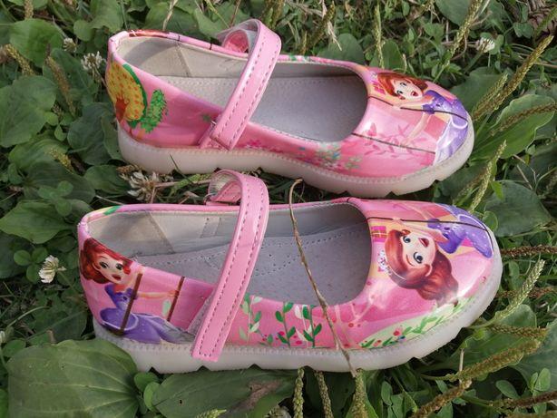 Туфлі, туфельки підошва світиться