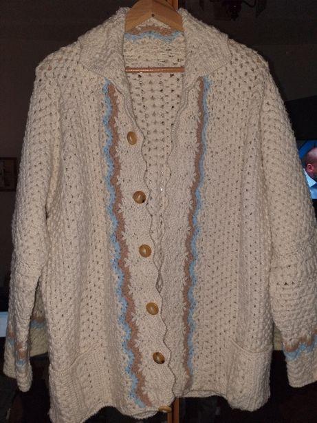 Sweterek z wełny