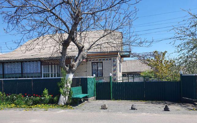 Продається приватний будинок в центрі м.Летичева
