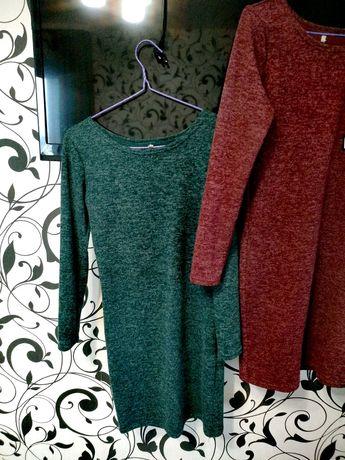 Платье теплое зеленое