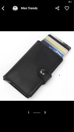 Carteira RFID porta cartões em pele