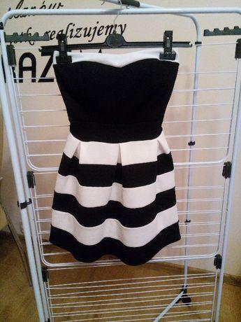 Czarno-biała sukienka w pasy rozmiar Uniwersalny