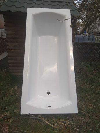 Ванна новая белая  акриловая