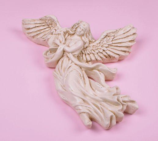 Anioł z lirą rzeźba anioła anioł do powieszenia