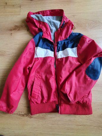 Продам б/у куртку ветровку детскую