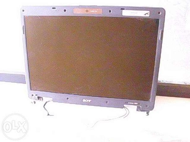 Vendo display c capa e dobradiças ACER 5610