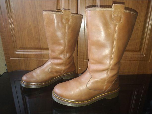 Шикарные сапоги Dr.Martens 40 ботинки кожаные с мехом мартинс