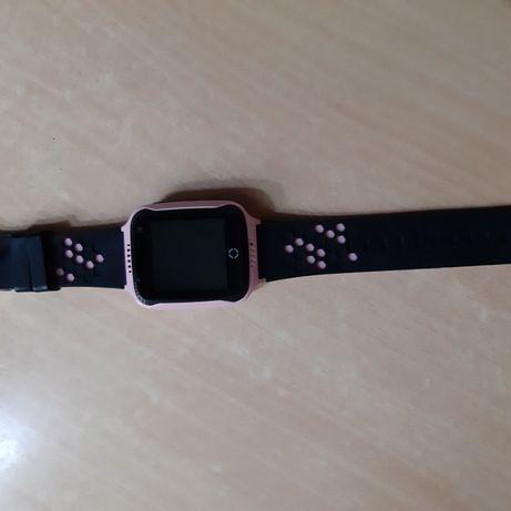Продам часы умные Q90