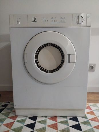 Máquina de secar roupa 3kg   Indesit