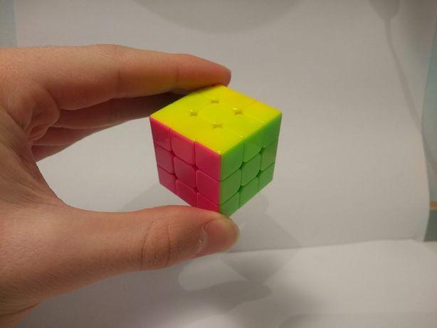 Kostka Rubika 3x3x3 brelok Yuxin Mini