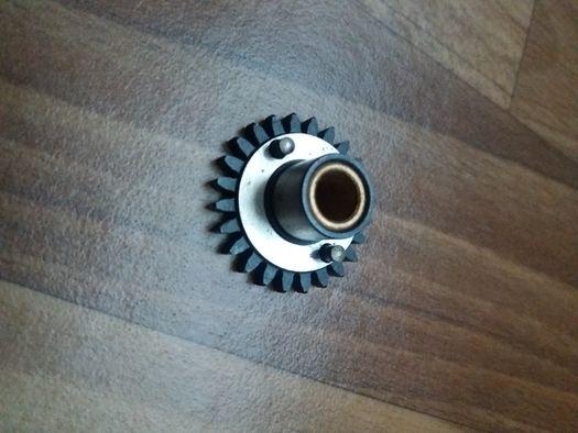 Продам шестерню A-Weld под ролик подающий для 4-х ролик.механизма