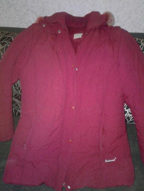 Курточка зимняя, очень тёплая. Рукав от плеча 66 см, длина 90 см.