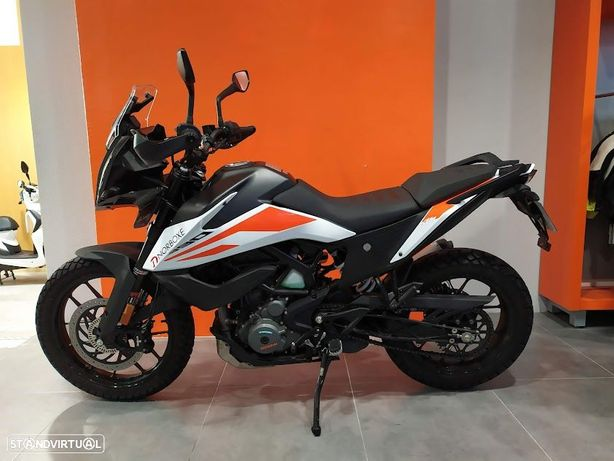 KTM 390 Adventure (Moto de serviço)