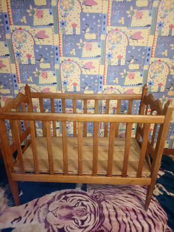 Класснешая кроватка натуральный дуб,состояние идеальное 499гр