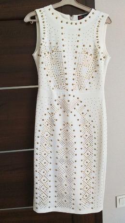 Стильное платье Италия размер L