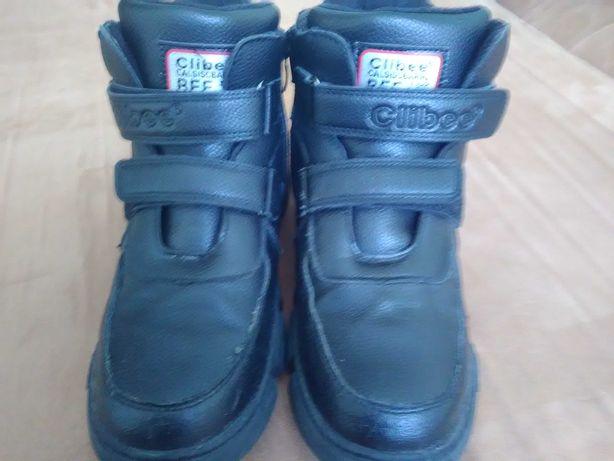 Продам ботинки Деми 37