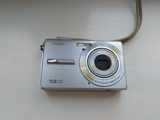 Фотоаппарат Kodak EasyShare M763 (серебристый) с чехлом