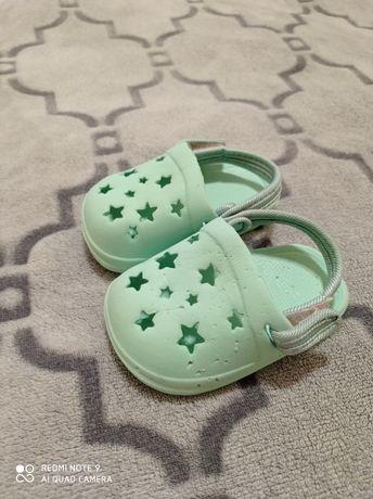 Кроксы зелёные детские