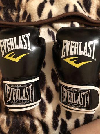 Продам перчатки для бокса