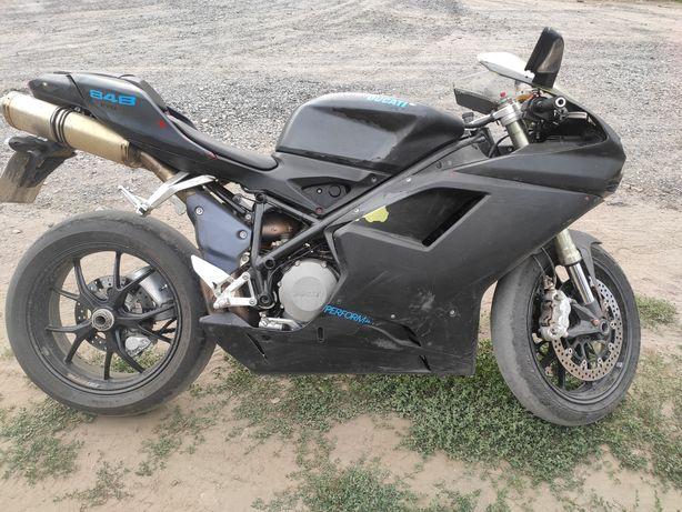 Ducati 848 EVO super sportbike 850 см³ Италия спорт байк пробег 22тыс.