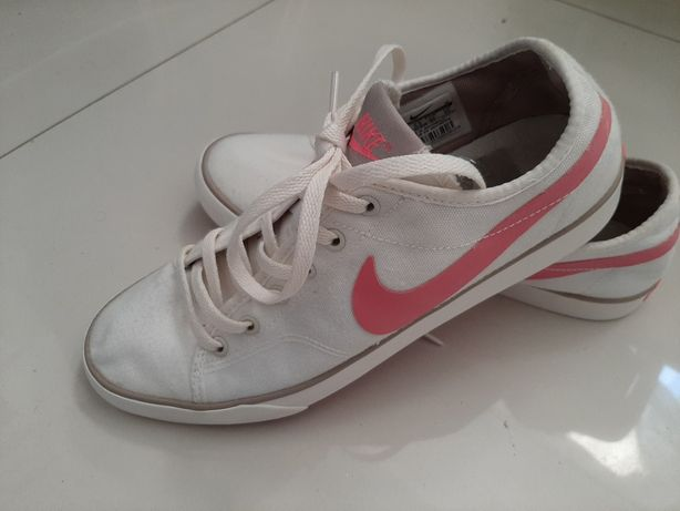 Trampki białe Nike 39